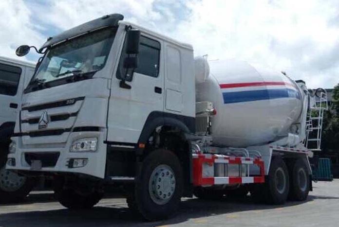 Ô tô trộn bê tông Howo 12 m3