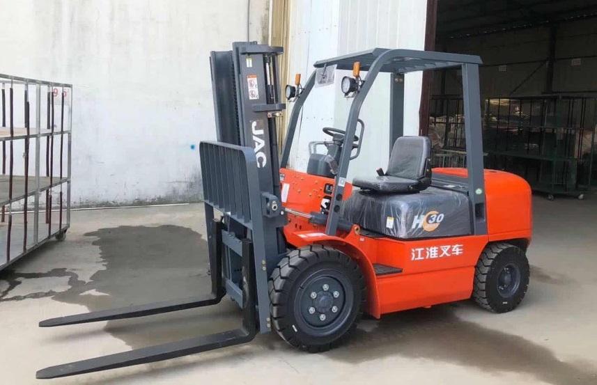Xe nâng diesel JAC 2-3,5 tấn